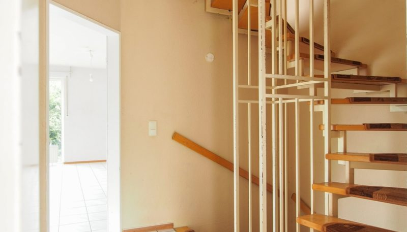 11026 Treppenaufgang (1)