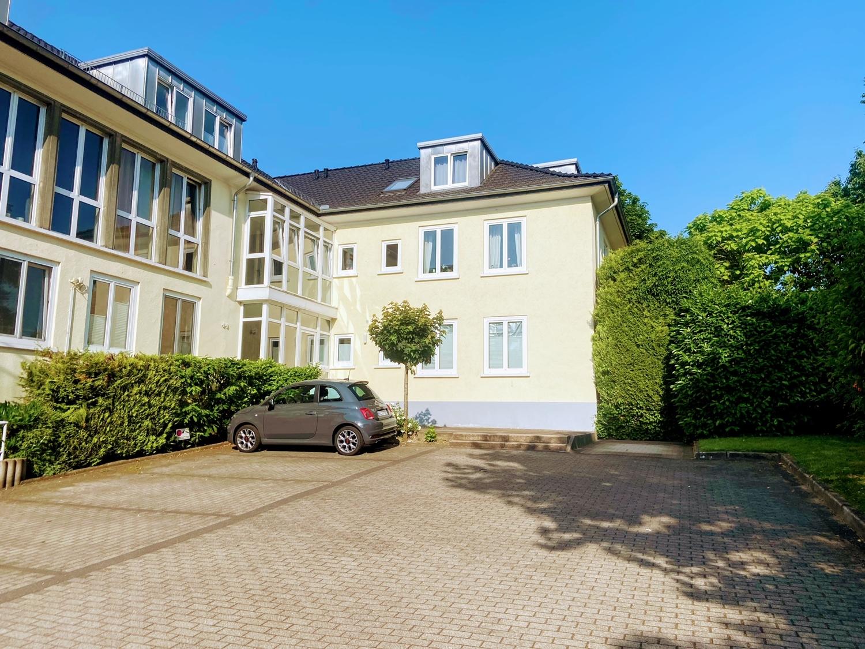 Großzügige Erdgeschosswohnung mit Terrasse und Gartenteil in Bielefeld