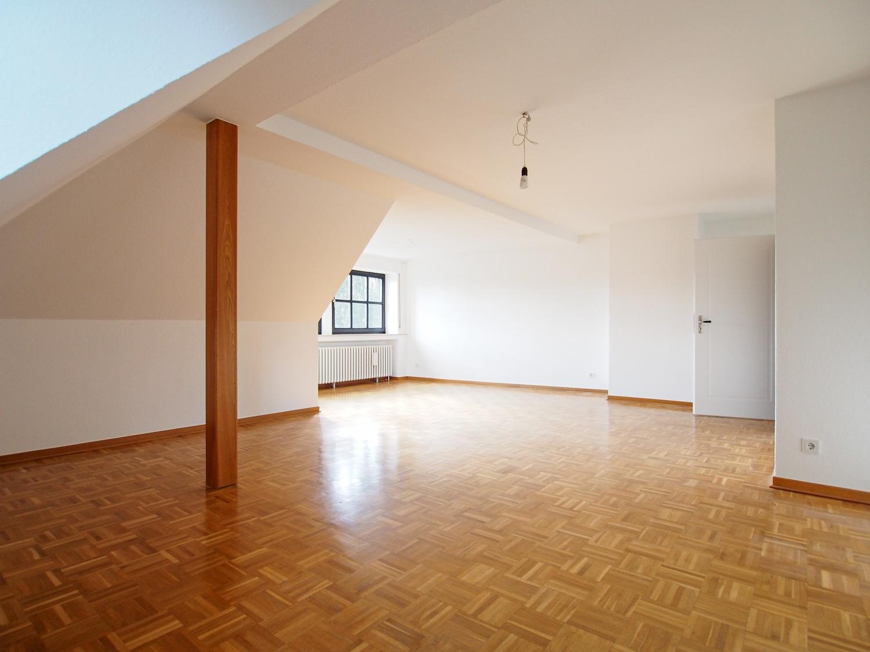 Wohnen am Wall! 3 Zimmer-Wohnung inkl. Studio in traumhafter Lage Herfords