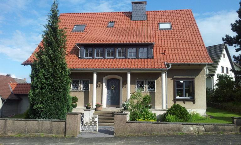Charmantes, renoviertes 1 Fam. Wohnhaus im Stil der 50 iger Jahre