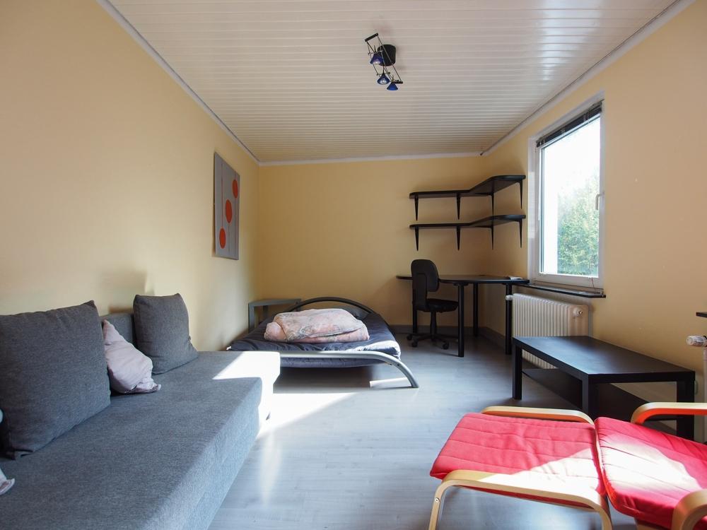 20936 Wohn u. Schlafzimmer (2)
