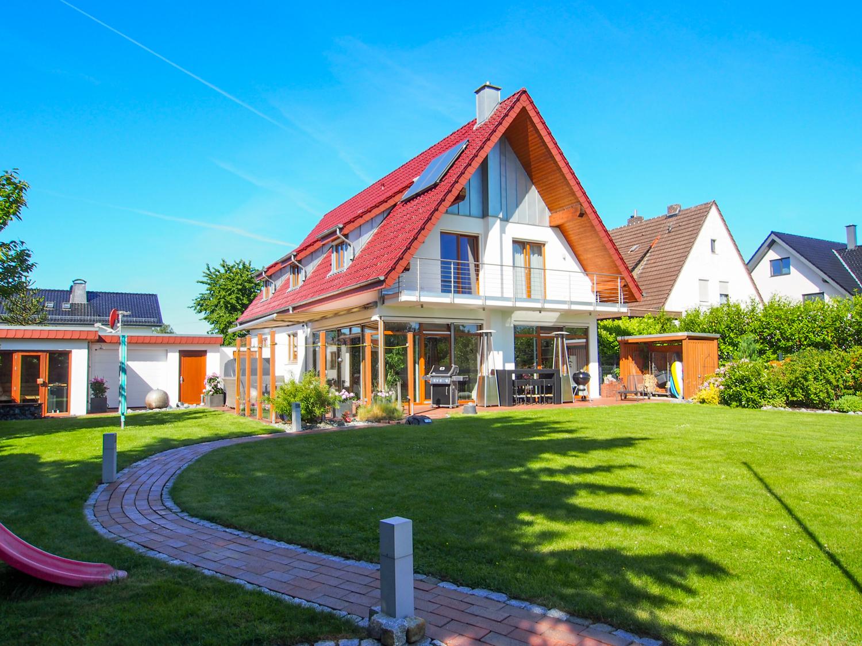 Top saniertes Wohnhaus mit Traumgrundstück! Die Natur vor Augen, Herford und Bielefeld vor der Tür