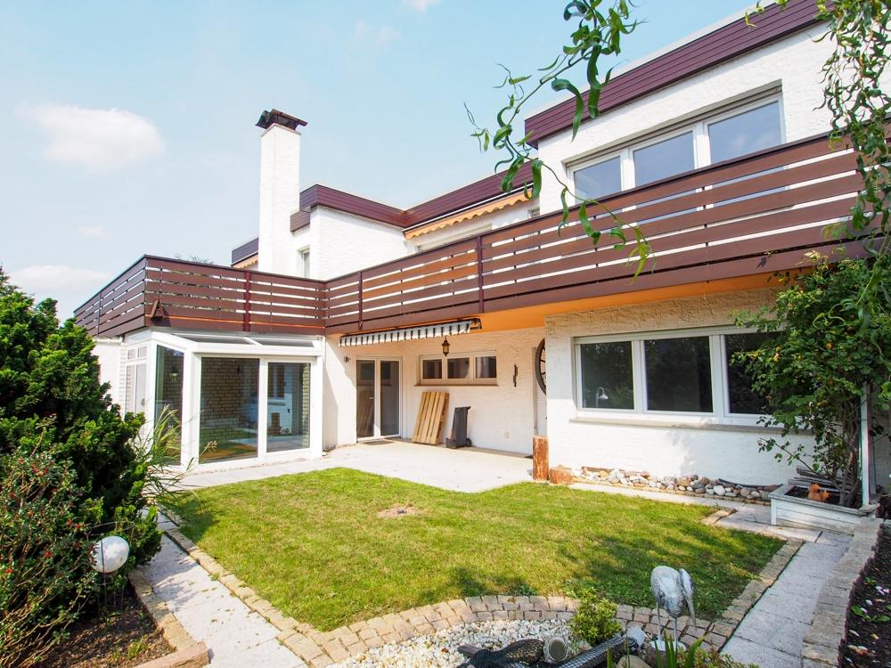 Entdecken Sie die Möglichkeiten! Wohnhaus mit 2 Wohneinheiten im Bungalowstil.